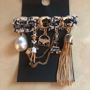 Accessories - Brooch custom jewelry